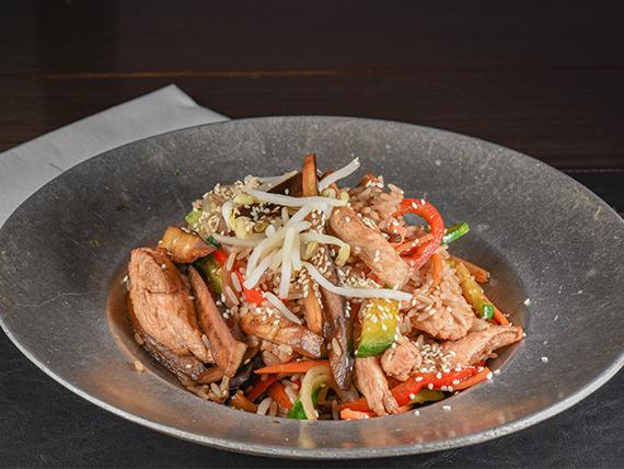 Chop-suey de pollo