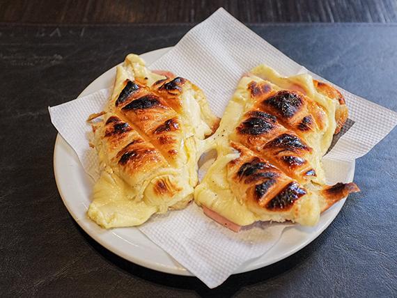 Medialuna de jamón y queso (2 unidades)