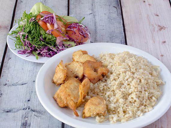 Light - salada do dia, arroz integral e filé de peito de frango ou bife