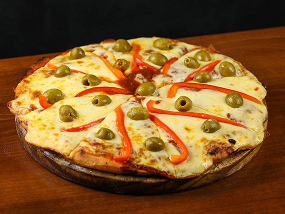 Pizzeta con muzzarella grande + 2 gustos