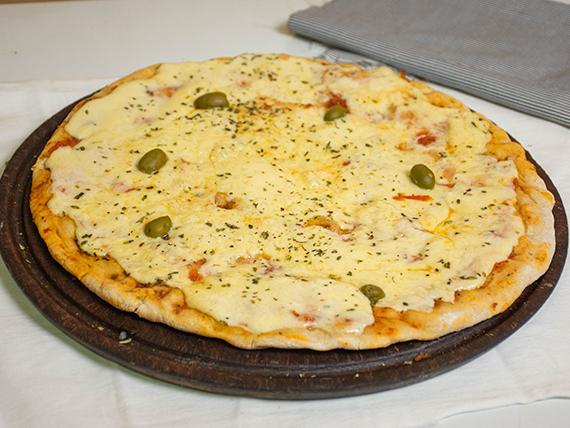 1 - Pizza muzzarella con aceitunas