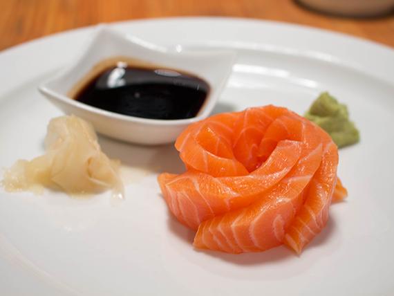 Sashimi de salmón (5 cortes)