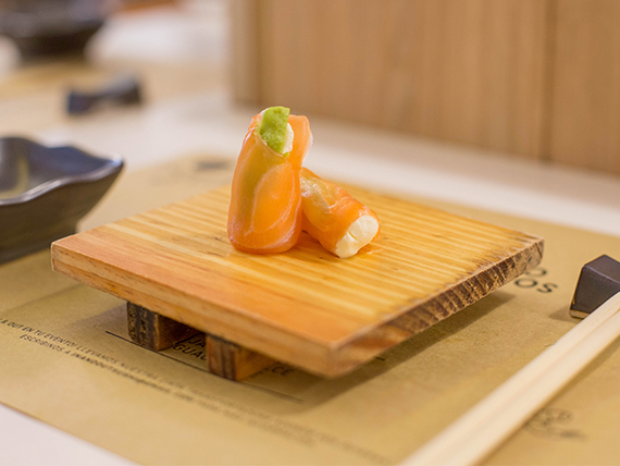 Geisha de salmón (1 unidad)