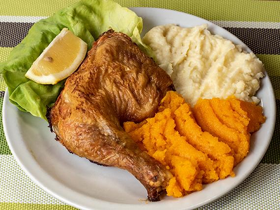 1/4 de pollo al horno con guarnición