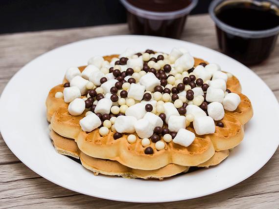 4 Waffles con marshmallows y bolitas choco crujiente