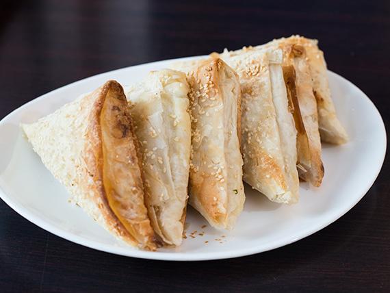 Empanada de queso masa fila