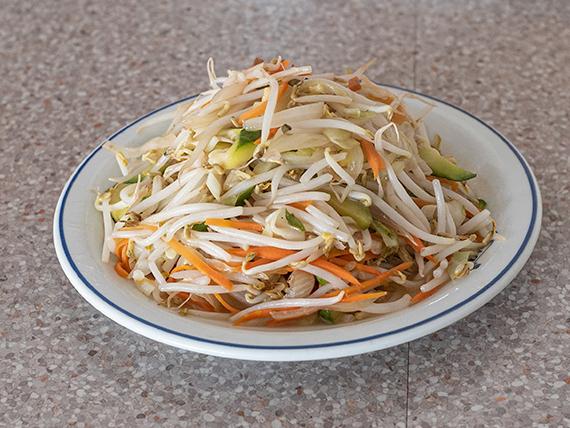 Chop suey con hongos y bambú
