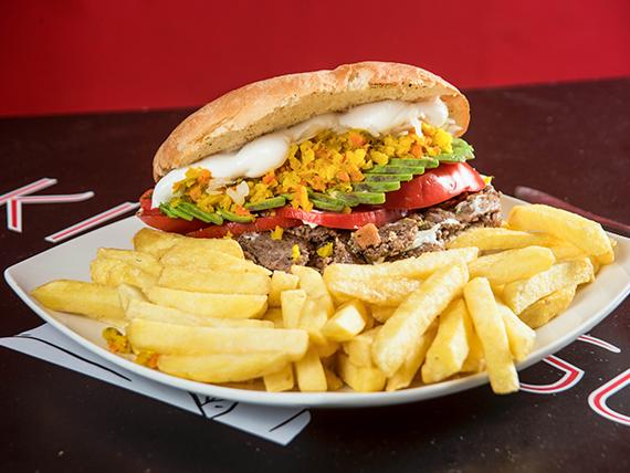 Promo Maki 1 - Sándwich a elección + papas fritas + bebida en lata