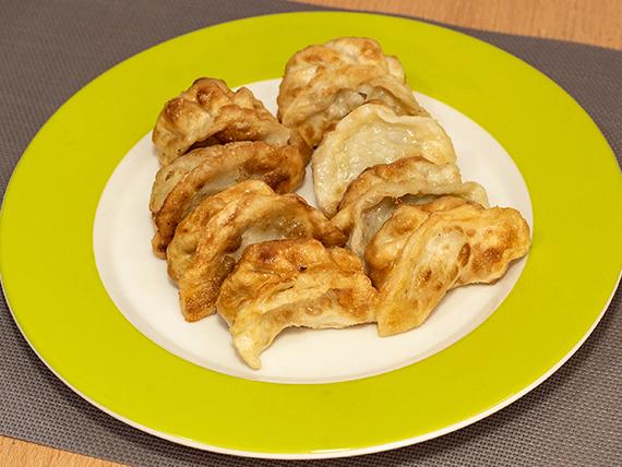 05 - Empanaditas chinas de cerdo a la plancha (8 unidades)