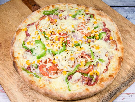 Pizza mista média