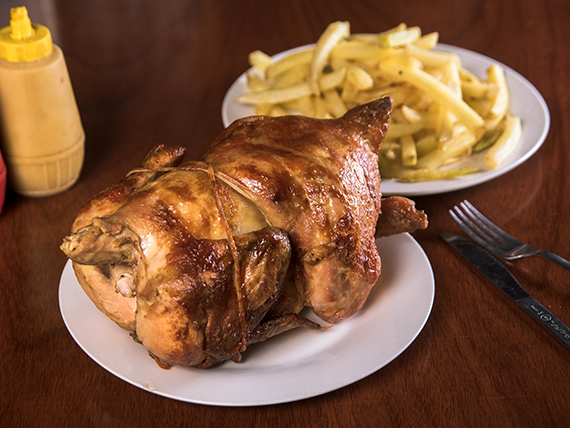 Promo 1 - Pollo asado + papas fritas extra grandes + bebida de 1.5 L