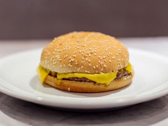 Hamburguesa con queso cheddar