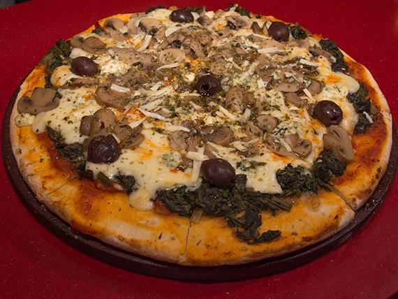 Pizza con espinaca, hongos y mix de quesos grande