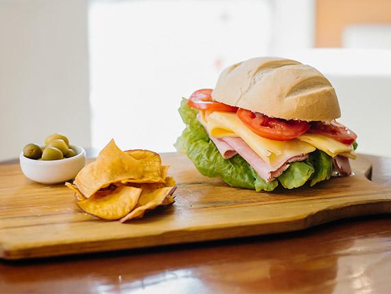 Sándwich tradicional