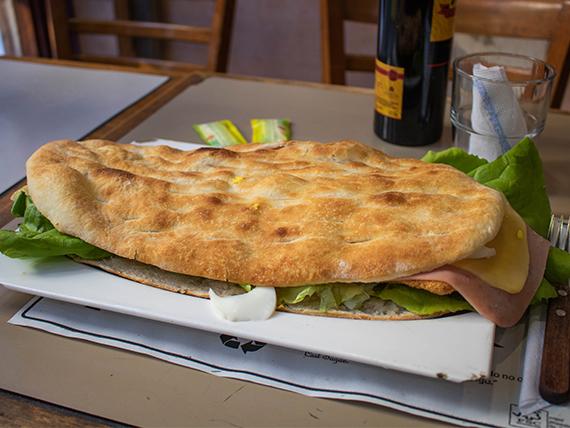 Sándwich gran figazza casera de milanesa super (comen 2)