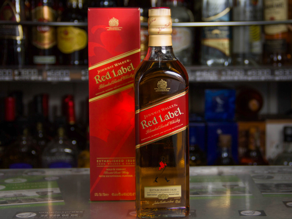 Whisky Johnnie Walker rojo 750 ml
