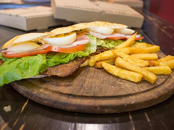Sándwich de milanesa de ternera completa