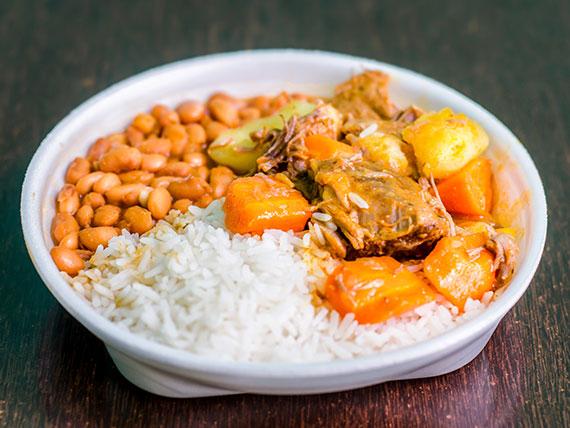 Quarta -  Carne de panela com legumes (arroz, feijão e salada )