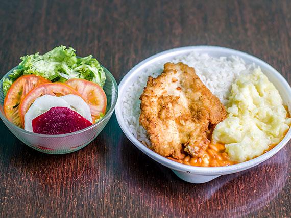 Filé de peito de frango, purê de batata, arroz, feijão e salada