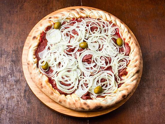 21 - Pizza calabresa