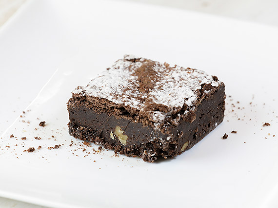 Brownie de chocolate con dulce de leche