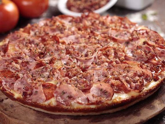 Pizza meat & bacon grande
