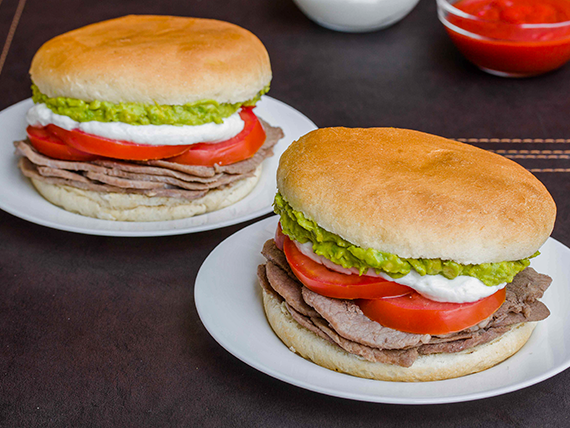 Promo para 2 personas: 2 sándwich Italiano + 2 bebidas en lata