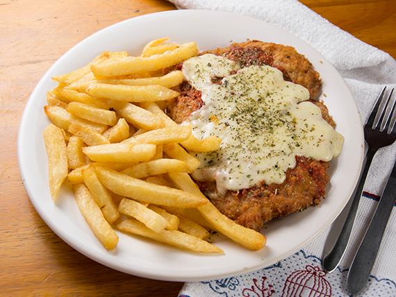 Promo 2 - Suprema de pollo a la napolitana con papas fritas