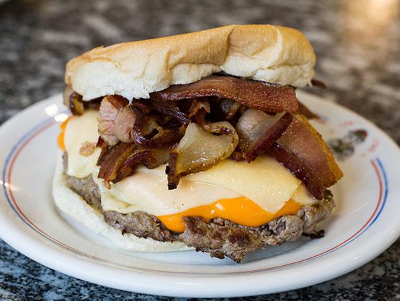Hambúrguer bacon cheddar