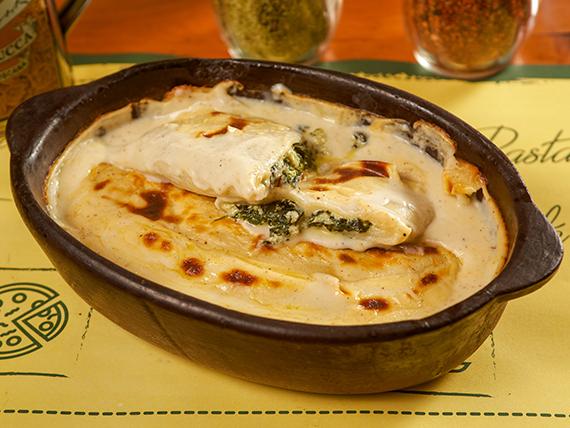 Canelones de espinaca, ricota y mozzarella