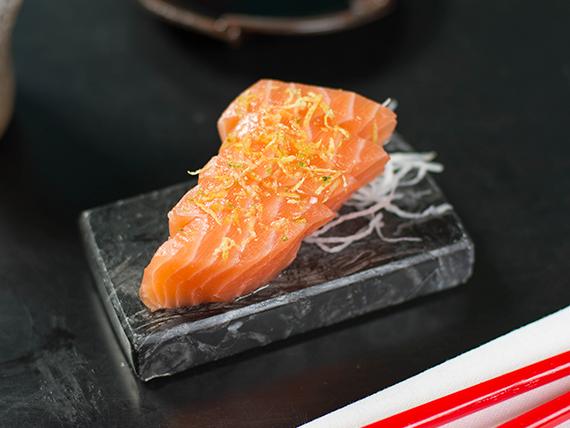 Sashimi de salmón trufado
