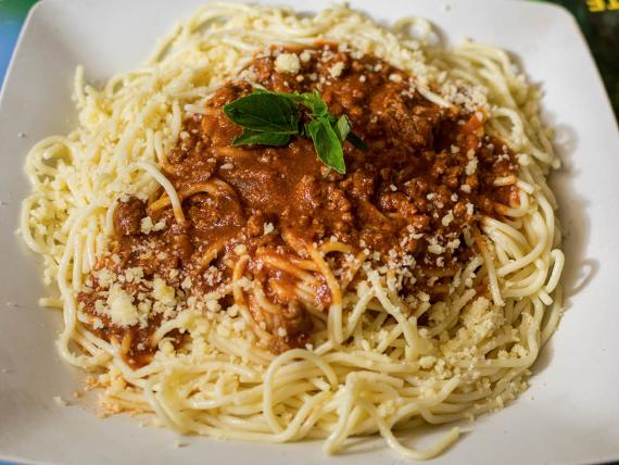 Massa espaguete com molho