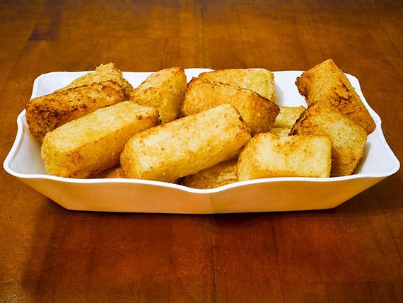 305 - Porção de mandioca frita
