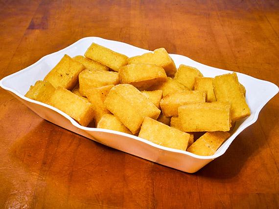 303 - Porção de polenta frita