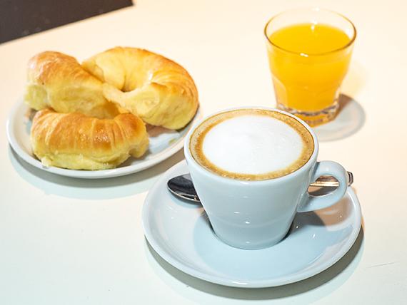 Cafetería a elección con medialunas rellenas de jamón y queso