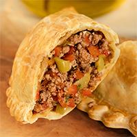 1 - Empanada de carne con aceitunas