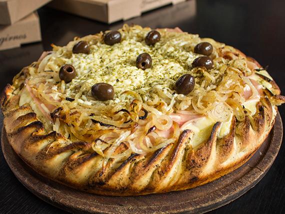 Pizza rellena fugazzeta con jamón<