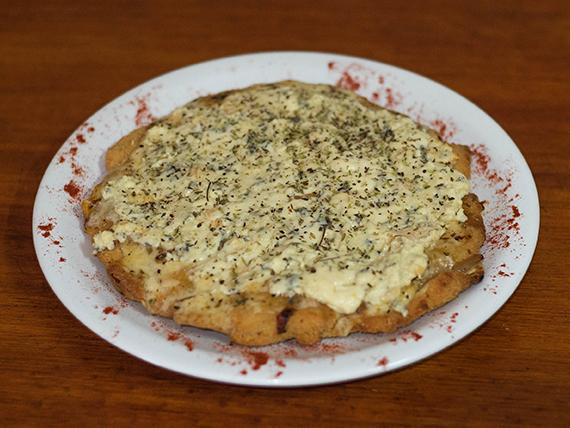 Pizzanesa roquefort con guarnición