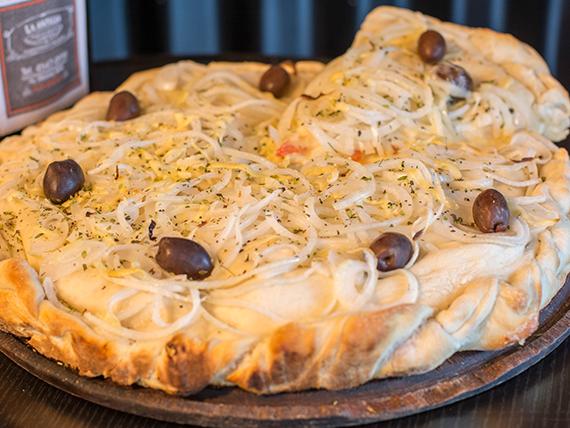 13 - Pizza fugazzeta rellena con jamón
