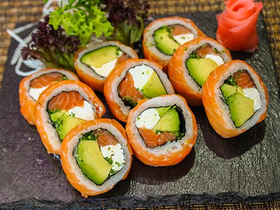 030 - Sake roll (9 piezas)