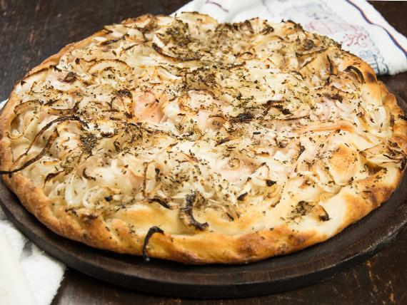 Pizza fugazzeta clásica