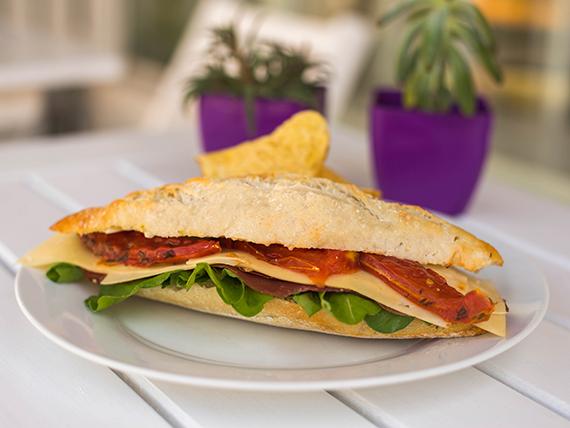 Sándwich de bondiola y rúcula