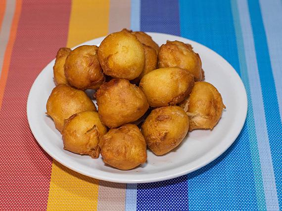 58 - Buñuelos de pollo frito con salsa agridulce