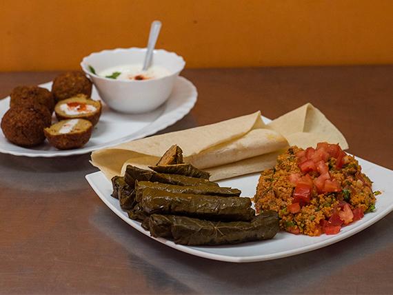 Promo vegetariana para dos personas - 4 falafel + yogur + tabule + sarma + 2 panes