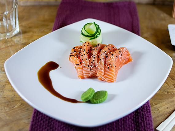 Sashimis de salmón (5 unidades)