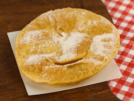 Torta frita con azúcar