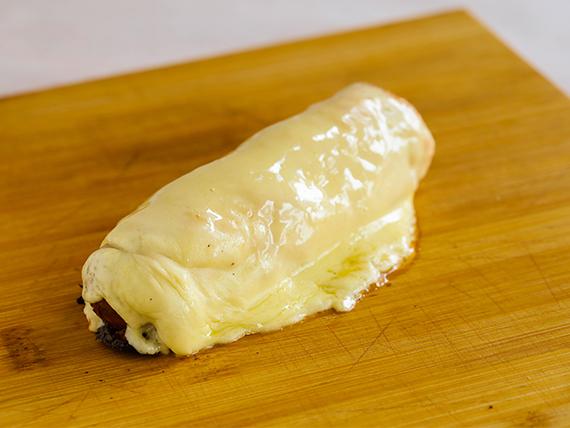 Panchos ramoncitos con muzzarella por arriba