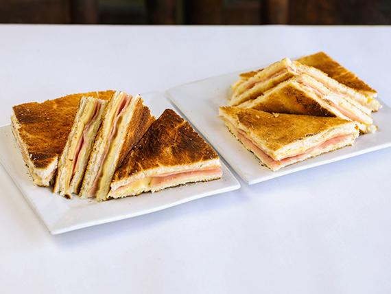 Promo 8 - 2 sandwiches calientes