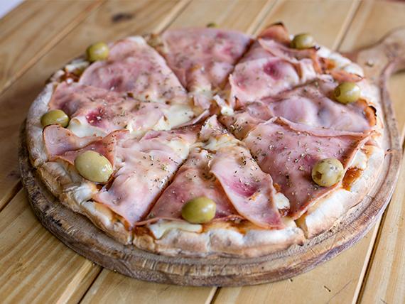Pizza con jamón
