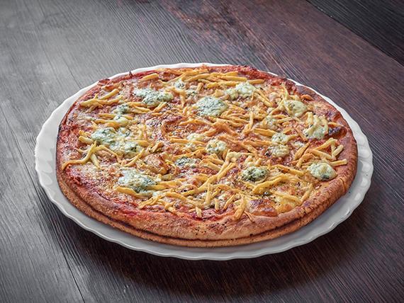 Pizza con variedad de quesos